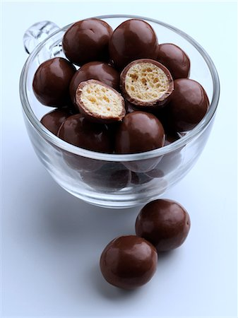 A cup of maltesers Stock Photo - Rights-Managed, Code: 824-07193342