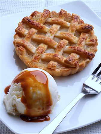 sweets - Apple pie with vanilla ice cream Stock Photo - Rights-Managed, Code: 824-07193590