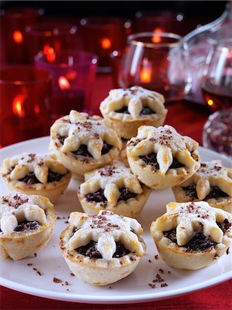 sweet - Chocolate mince pies Stock Photo - Rights-Managed, Code: 824-07193656