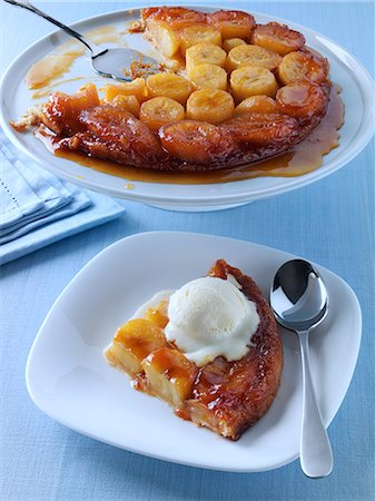 sweet - A single serving of banana tatin with vanilla icecream Stock Photo - Rights-Managed, Code: 824-07193947