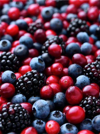 Cranberries blackberries and blueberries entire frame Stock Photo - Rights-Managed, Code: 824-07585860