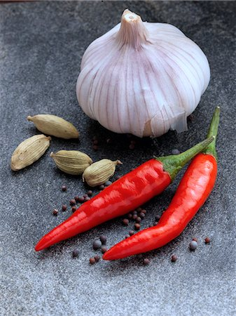 slate - Garlic chillies cardamoms onion seeds Stock Photo - Rights-Managed, Code: 824-07586001