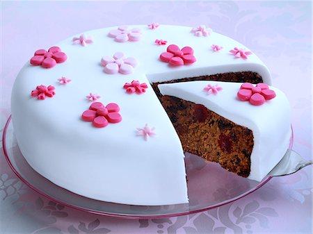 Fruit cake Stock Photo - Rights-Managed, Code: 824-07586050