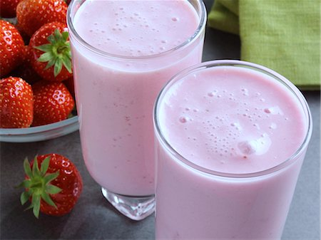 strawberries - Fat free strawberry smoothie Stock Photo - Rights-Managed, Code: 824-07586355
