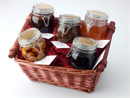 Medium Hamper Stock Photo - Rights-Managed, Code: 824-02294607