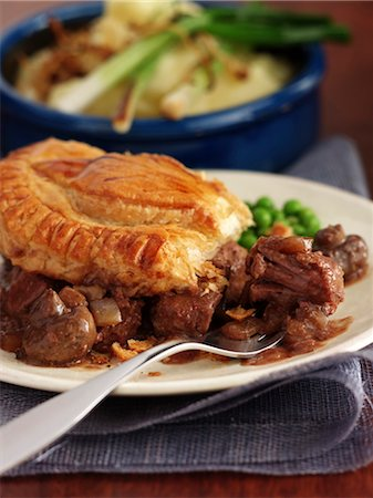 puff - Steak and Mushroom Pie Stock Photo - Rights-Managed, Code: 824-02625110