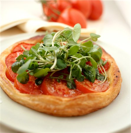 puff - Tomato and Rocket Tart Stock Photo - Rights-Managed, Code: 824-02625313