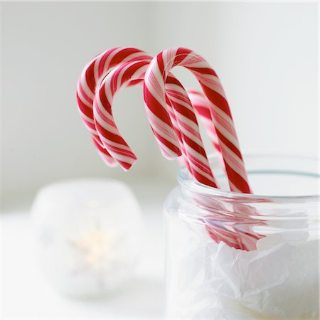 red stick candy - Christmas Candy Sticks in Glass Jar Stock Photo - Rights-Managed, Code: 824-03722672