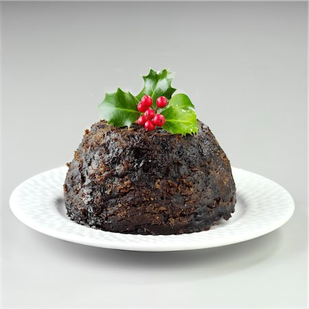 sweet   no people - Christmas pudding - cut out Stock Photo - Rights-Managed, Code: 824-03744571