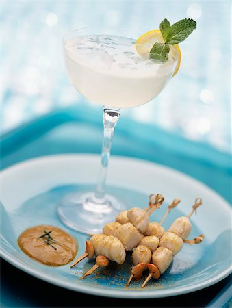Margarita cocktail with small scallop brochettes Stock Photo - Rights-Managed, Code: 825-05811965