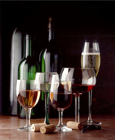 glasses and bottles of wine Stock Photo - Rights-Managed, Code: 825-05985949