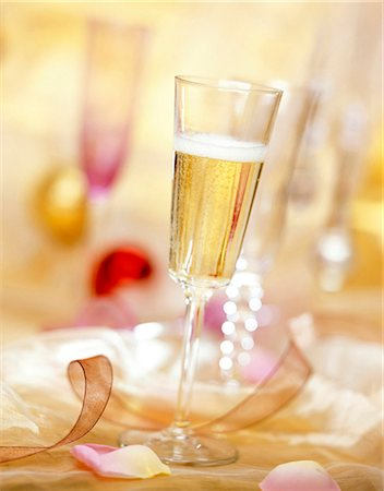 petal - champagne Stock Photo - Rights-Managed, Code: 825-05986691