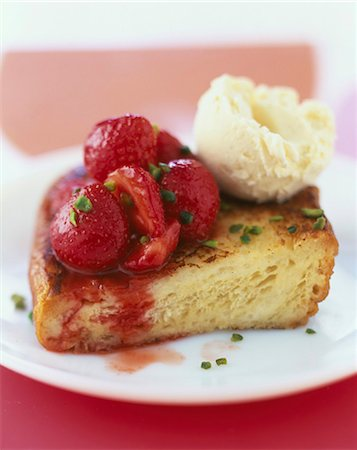French toast with pan-fried strawberries and crushed pistachios Stock Photo - Rights-Managed, Code: 825-06046789