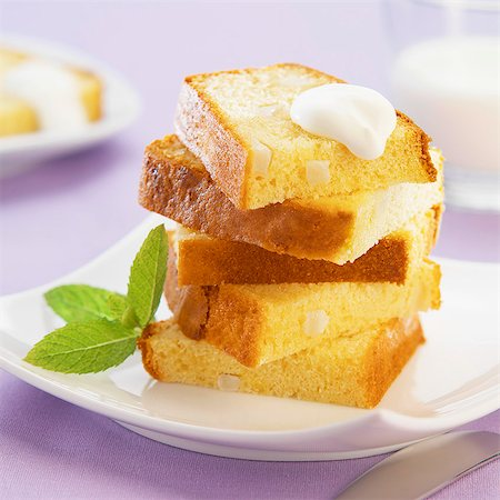 dessert - Slices of pear cake Stock Photo - Rights-Managed, Code: 825-07078300