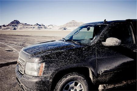 Dirty 4x4 Car Parked on the Bonneville Salt Flats Stock Photo - Rights-Managed, Code: 822-05554865
