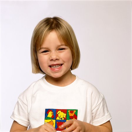 preteen  smile  one  alone - Smiling Young Girl Stock Photo - Rights-Managed, Code: 822-05554945
