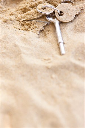 Keys in Sand Stock Photo - Rights-Managed, Code: 822-05948675