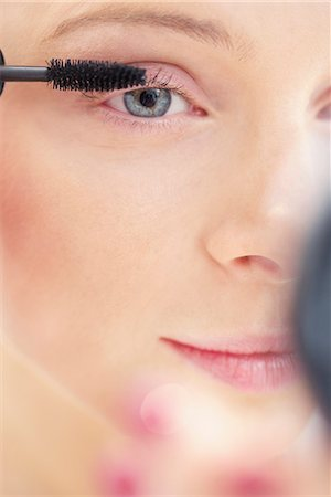 personal care - Close-up View of Woman Applying Mascara Stock Photo - Rights-Managed, Code: 822-06702373