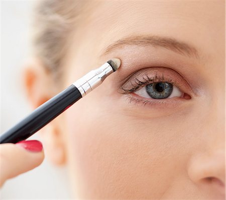 personal care - Close-up View of Woman Applying Eye Shadow Stock Photo - Rights-Managed, Code: 822-06702409