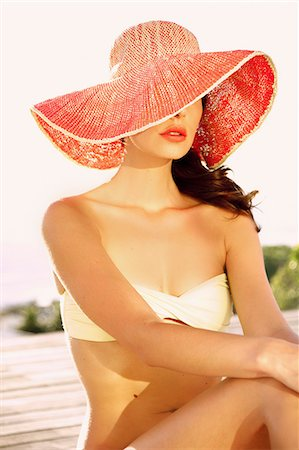 Woman Wearing Wide Brim Hat Stock Photo - Rights-Managed, Code: 822-07562591