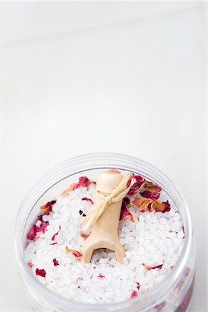 Close up of a jar of bath salts Stock Photo - Rights-Managed, Code: 822-02738990