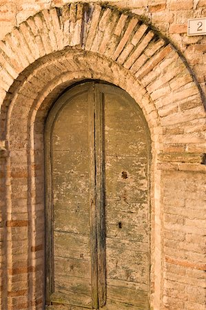 Arched door Stock Photo - Rights-Managed, Code: 822-03161732