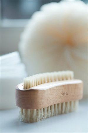 puff - Close up of a wooden fingernail brush Stock Photo - Rights-Managed, Code: 822-03406862