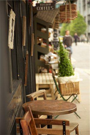 quaint - Coffee Shop Storefront Stock Photo - Rights-Managed, Code: 822-03601722