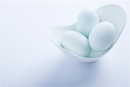Light Blue Eggs in a Bowl Stock Photo - Rights-Managed, Code: 822-03780624