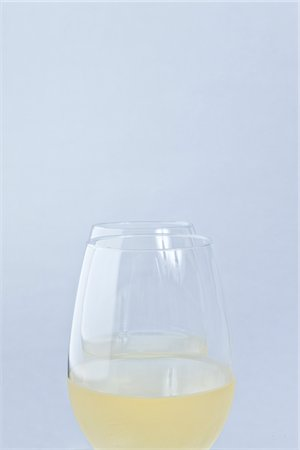 Two Glasses of White Wine Stock Photo - Rights-Managed, Code: 822-03780685