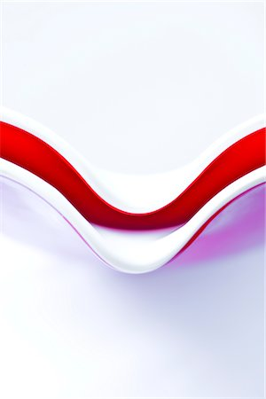 White and Red Nesting Bowls Stock Photo - Rights-Managed, Code: 822-03780775