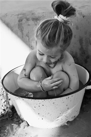 Baby girl sitting in a bathtub Stock Photo - Rights-Managed, Code: 837-03074338