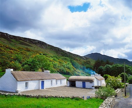 Thatched Cottage Gap of Mamore, Inishowen, Co Donegal, Ireland Stock Photo - Rights-Managed, Code: 832-02254790