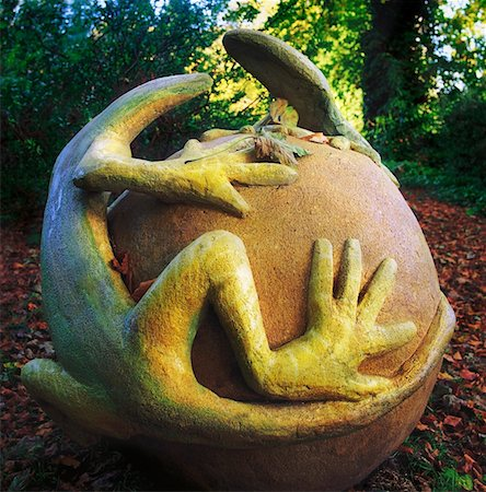 Modern Sculpture, Fernhill Gardens, Co Wicklow, Ireland Stock Photo - Rights-Managed, Code: 832-02253488