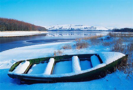 Irish snowscenes, Blessington Lake, Co Wicklow Stock Photo - Rights-Managed, Code: 832-02253993