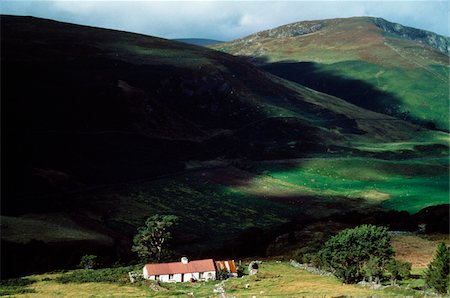 Co Wicklow, Lough Dan, Cottages Stock Photo - Rights-Managed, Code: 832-03232810