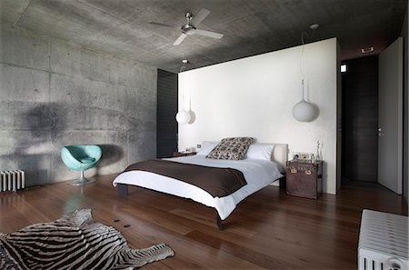 Bedroom with wall partition, Flinders House, John Bornas, Melbourne, Victoria, Australia. Architects: John Bornas of Workroom Stock Photo - Rights-Managed, Code: 845-05838240