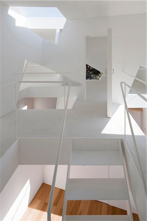 villa-kanousan, villa, View of the 2nd floor from the staircase. Architects: Yuusuke Karasawa Architects Stock Photo - Rights-Managed, Code: 845-05839508
