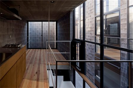 Sekisokyo, row house, Interior of openplan apartment. Architects: Yukio Asari and Love Architecture Stock Photo - Rights-Managed, Code: 845-05839545
