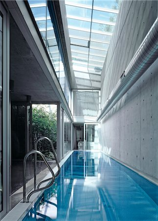 Lap pool in the Light House, Notting Hill, London, W11. Architects: Gianni Botsford Stock Photo - Rights-Managed, Code: 845-06008110