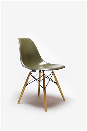 Shell Side Chair with Eiffel Tower Base, American, 1950s, manufactured by Herman Miller. Designer: Charles and Ray Eames Stock Photo - Rights-Managed, Code: 845-06008169