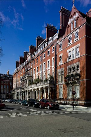 Cadogan's Chelsea Estate has its origins in the historic Manor of Chelsea, which dates from Anglo-Saxon times. Stock Photo - Rights-Managed, Code: 845-03552664