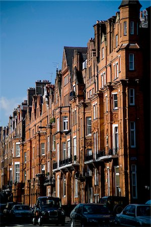 Cadogan's Chelsea Estate has its origins in the historic Manor of Chelsea, which dates from Anglo-Saxon times. Stock Photo - Rights-Managed, Code: 845-03552671