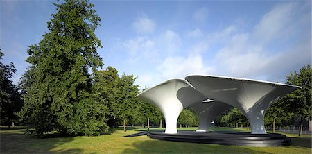 LILAS, Serpentine Gallery summer pavilion, London, England. 2007 Temporary fabric structures. Architects: Zaha Hadid and Patrik Schumacher Stock Photo - Rights-Managed, Code: 845-03720604