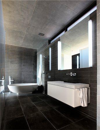Modern grey tiled bathroom. Architects: John Bornas of Workroom Stock Photo - Rights-Managed, Code: 845-03777641