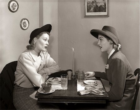 1940s 2 WOMEN DINING TALKING RESTAURANT TABLE Stock Photo - Rights-Managed, Code: 846-05646258