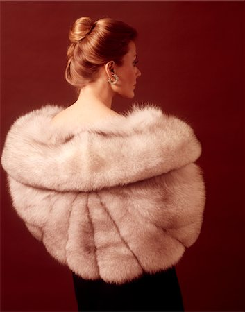 fur - 1970s ELEGANT UPSCALE WOMAN BACK VIEW WEARING SILVER FUR STOLE COAT Stock Photo - Rights-Managed, Code: 846-05646852
