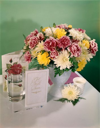 flower greeting - 1960s - 1970s GET WELL SOON FLOWERS BOUQUET GREETING CARDS STILL LIFE Stock Photo - Rights-Managed, Code: 846-05646933