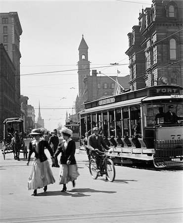 1900s - 1910s - 1912 DETROIT STREET SCENE PEDESTRIANS & STREETCAR Stock Photo - Rights-Managed, Code: 846-05647979