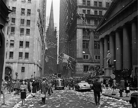 1940s NEW YORK CITY WALL STREET TICKER TAPE PARADE CELEBRATION OF E-E DAY VICTORY IN EUROPE MAY 8 1945 Stock Photo - Rights-Managed, Code: 846-05647992